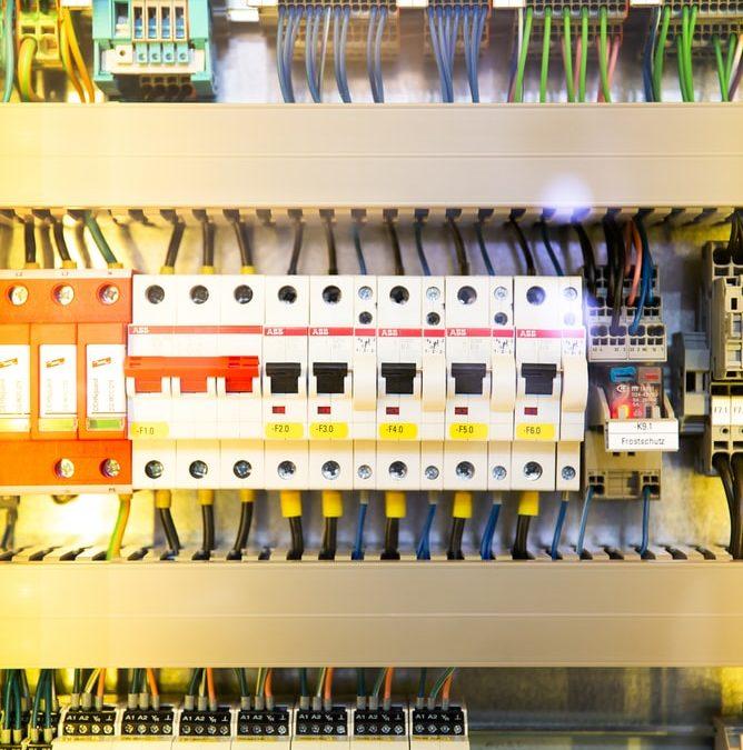 ¿Cómo realizar el Curso de Electricidad gratis en Granada?