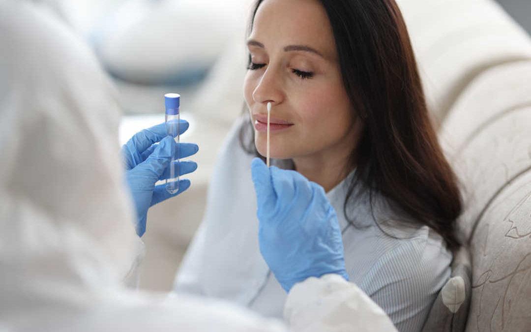¿Qué diferencia hay entre prueba PCR y antígenos?