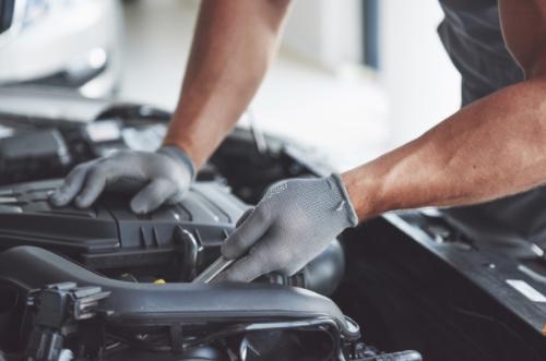 Trabajos en talleres de reparación de vehículos